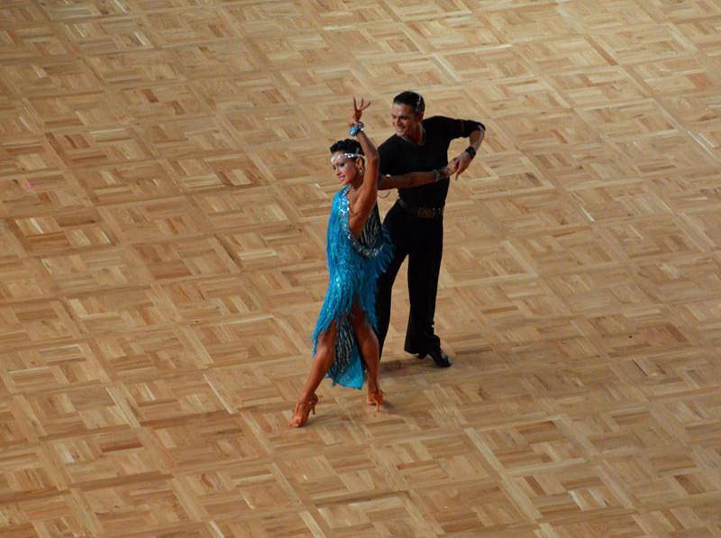 Спортивный пол Coswick Сборно-разборный танцевальный Portable Mosaic Dance® Дуб Натуральный